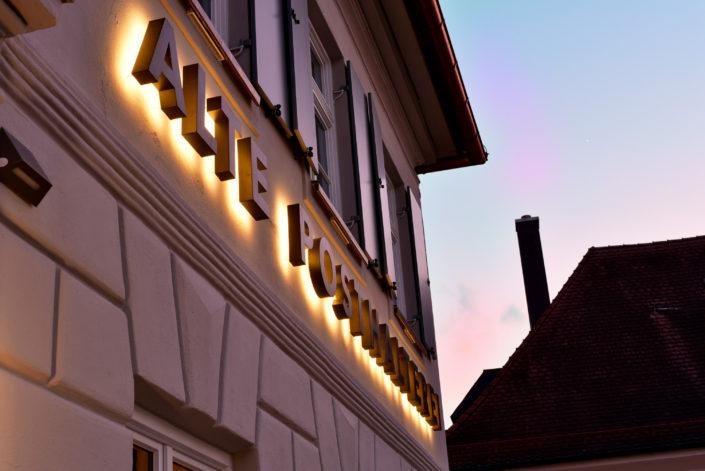 rückleuchtende Leuchtbuchstaben für Hotel