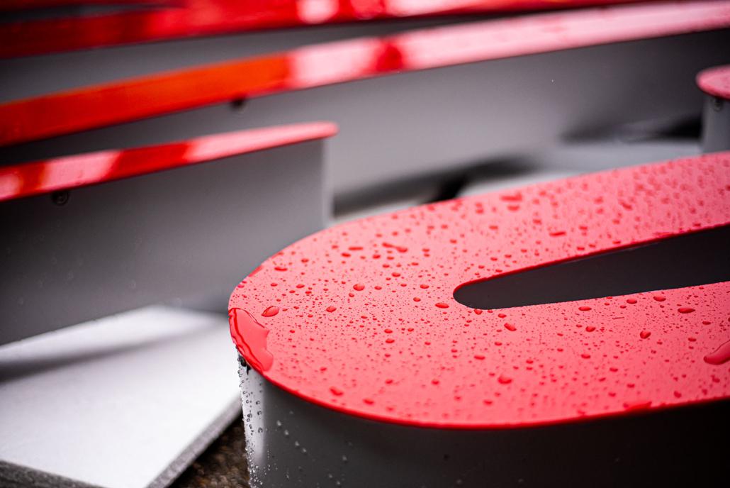 Profil 6 Leuchtschrift nass Witterungsbeständig